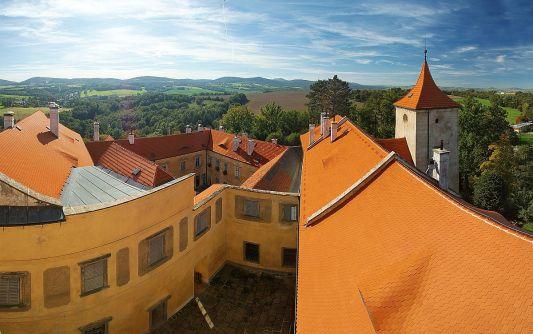 Grabštejn pohled z věže na hrad